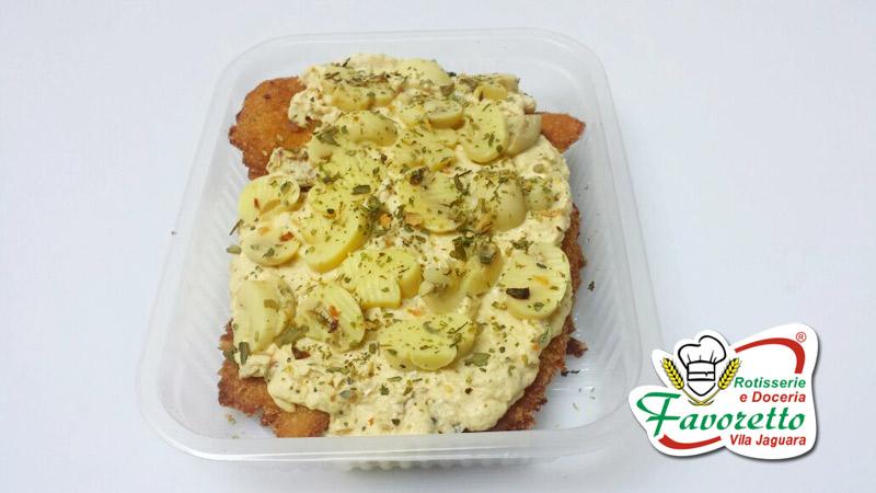 Filet de Frango ao Molho Mostarda e Champignon