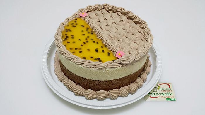 Torta Mousse de Chocolate c/ Mousse de Maracujá